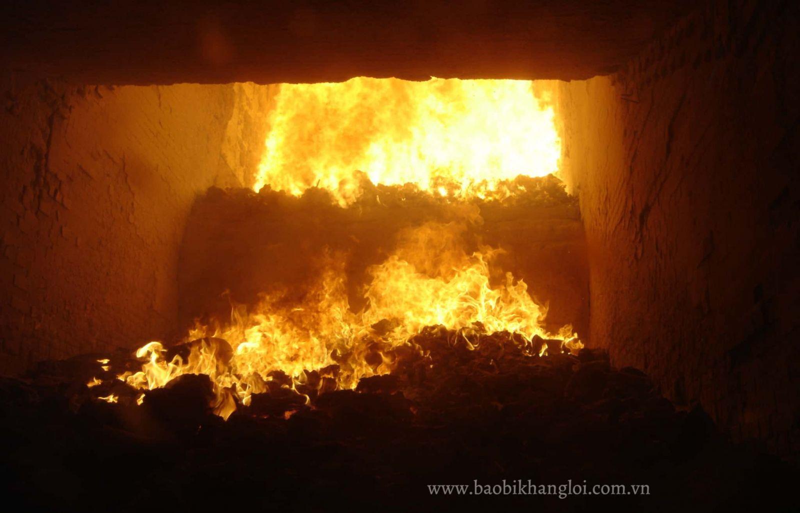 Đốt rác thải nhựa tạo ra nguồn nhiệt năng to lớn