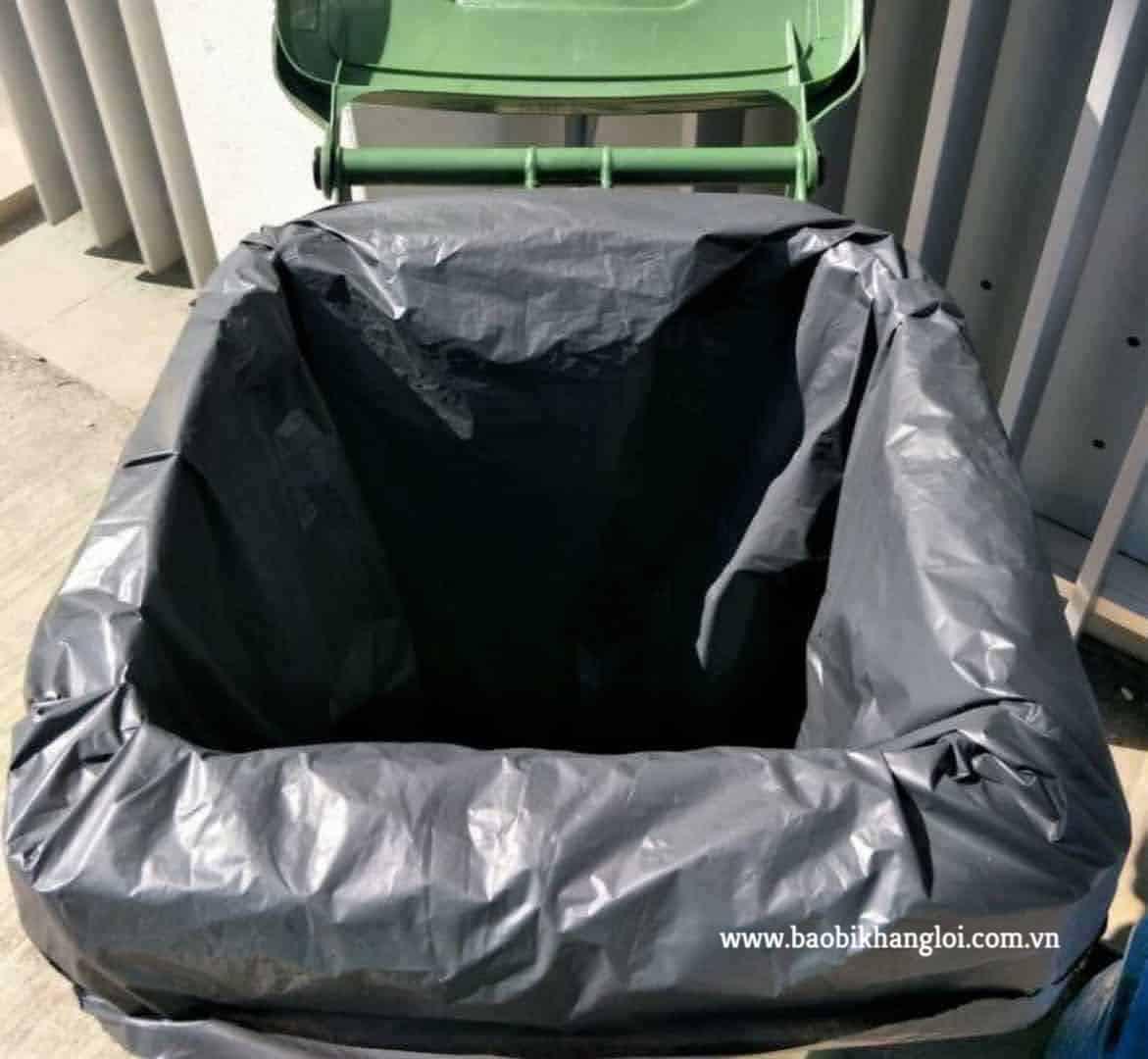 lựa chọn túi rác phù hợp với kích thước thùng chứa là vô cùng cần thiết