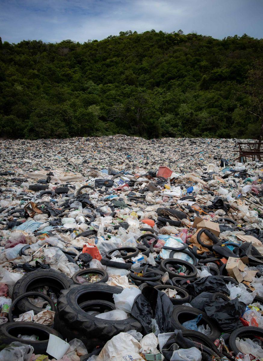 rác thải từ nhựa phải rất lâu mới có thể phân hủy