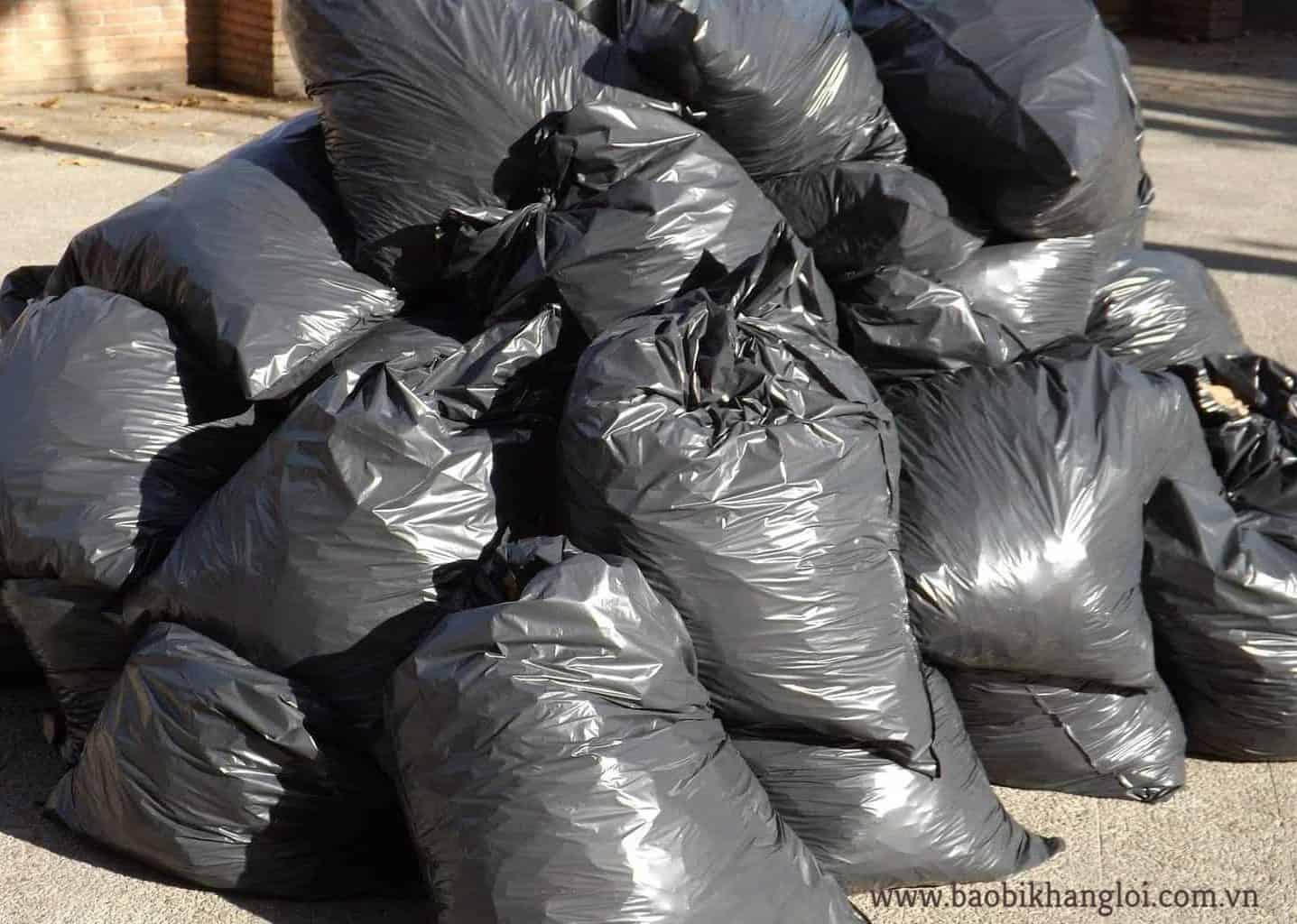 túi bóng đựng rác phổ biến nhất là màu đen