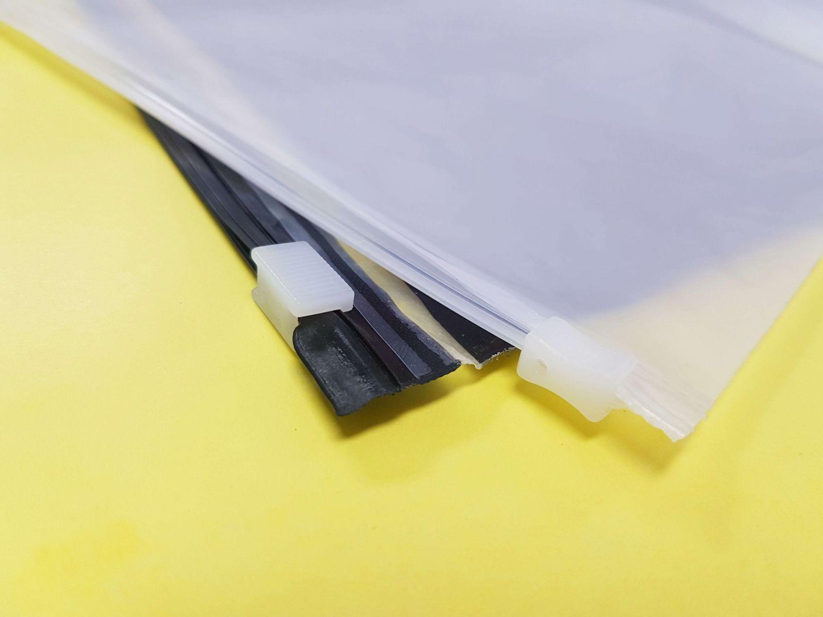 túi zipper khóa kéo khá tiện lợi khi đóng hoặc mở